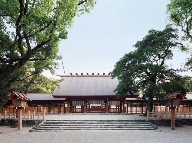 熱田神宮初詣2019の混雑状況と駐車場は?お守りの値段や種類も!