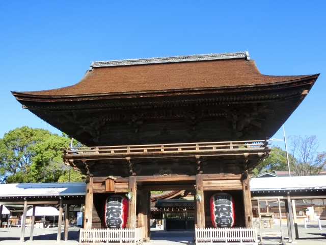 国府宮神社初詣2019のアクセスと参拝時間は?お守りと混雑も調査!