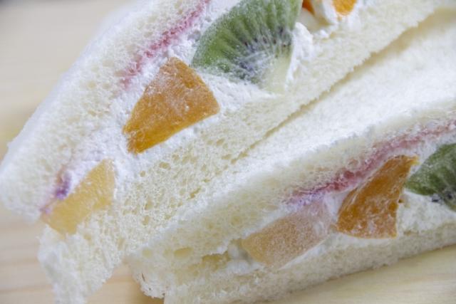セブンイレブン山梨県産シャインマスカットサンドの発売日はいつ?カロリーと糖質量は?