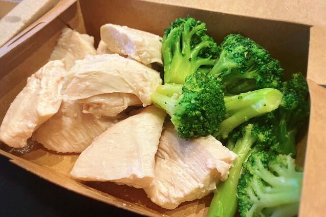 YouTuberヒカルがウーバーイーツで注文?究極のブロッコリーと鶏胸肉の口コミや味を調査!