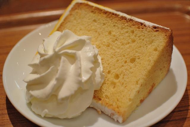 ローソンフワフォンふわふわシフォンケーキはいつから販売開始?カロリーや値段も調査!